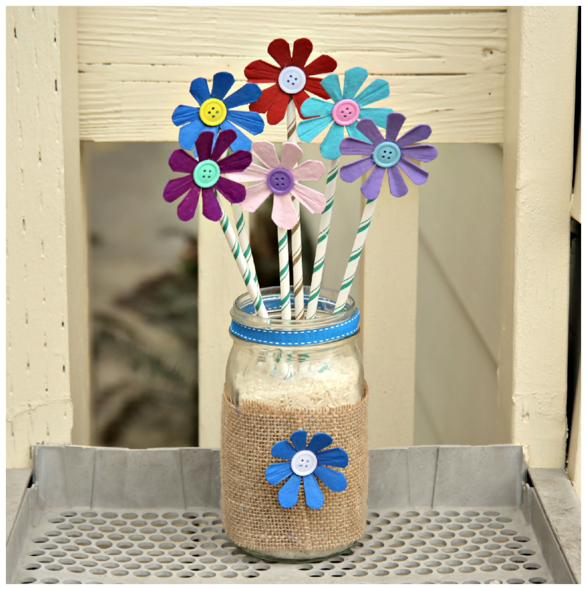 Diy Arts And Crafts Milk Carton Recycled Crafts Recycled Egg Carton Flower