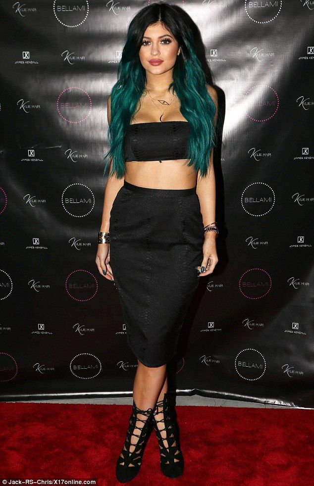 Kylie Jenners Rumoured Beau Tyga Gets Hands On With Sexy Video