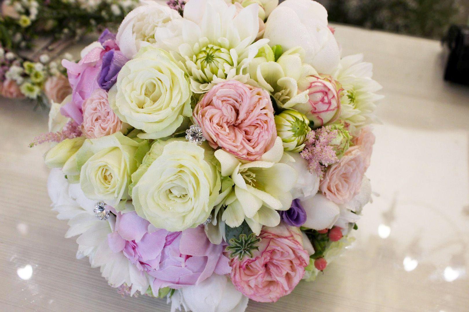 e8db8d3c21 Ružová svadobná kytica z pivoniek
