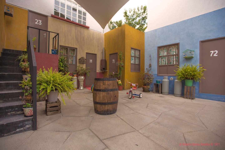 La Vecindad De El Chavo Del Ocho Vecindad Del Chavo Fotos Del Chavo Alquiler De Departamentos