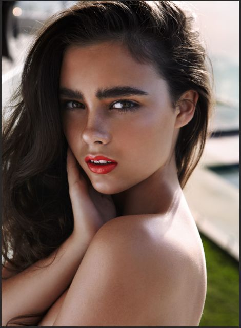 The hot big brow: Celebrities with thick dark eyebrows ...