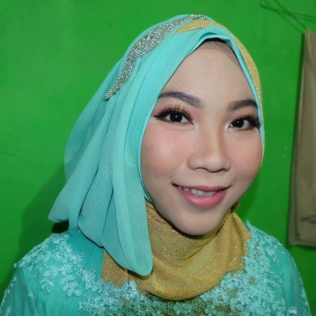 Makeup Natural Hijab Wisuda Tangerang Makeup Dan Hijab Wisuda Tangerang Make Up Wisuda Inez Tangerang Make Up Wisuda Instagram Tange Make Up Hijab Pengantin