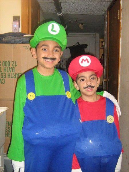 Halloween costumes  sc 1 st  Pinterest & Mario Brothers Costumes | Disfrases | Pinterest | Mario brothers ...