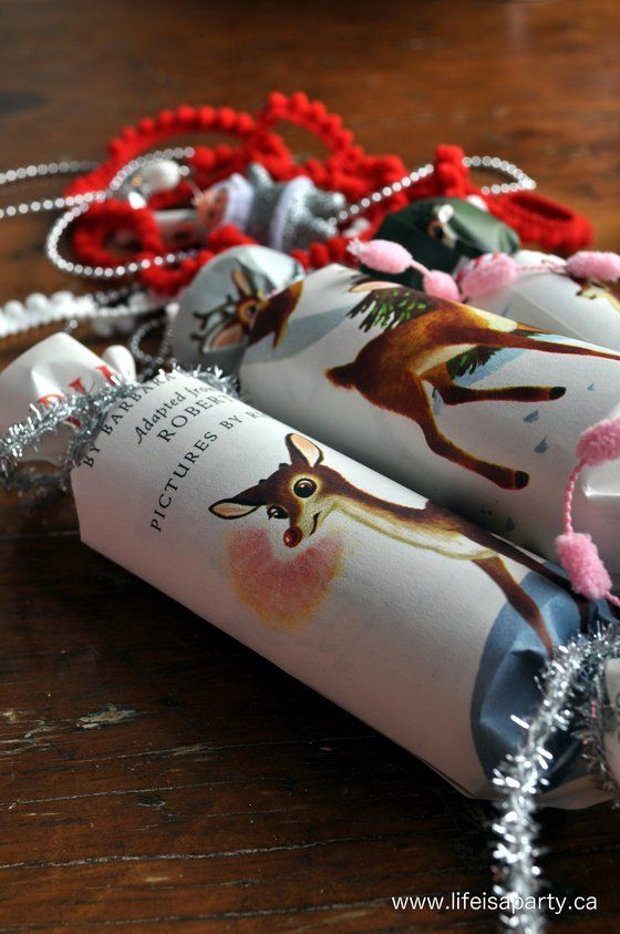 Vintage inspired christmas crackers simple tutorial for making your vintage inspired christmas crackers simple tutorial for making your own christmas crackers out of inexpensive solutioingenieria Image collections