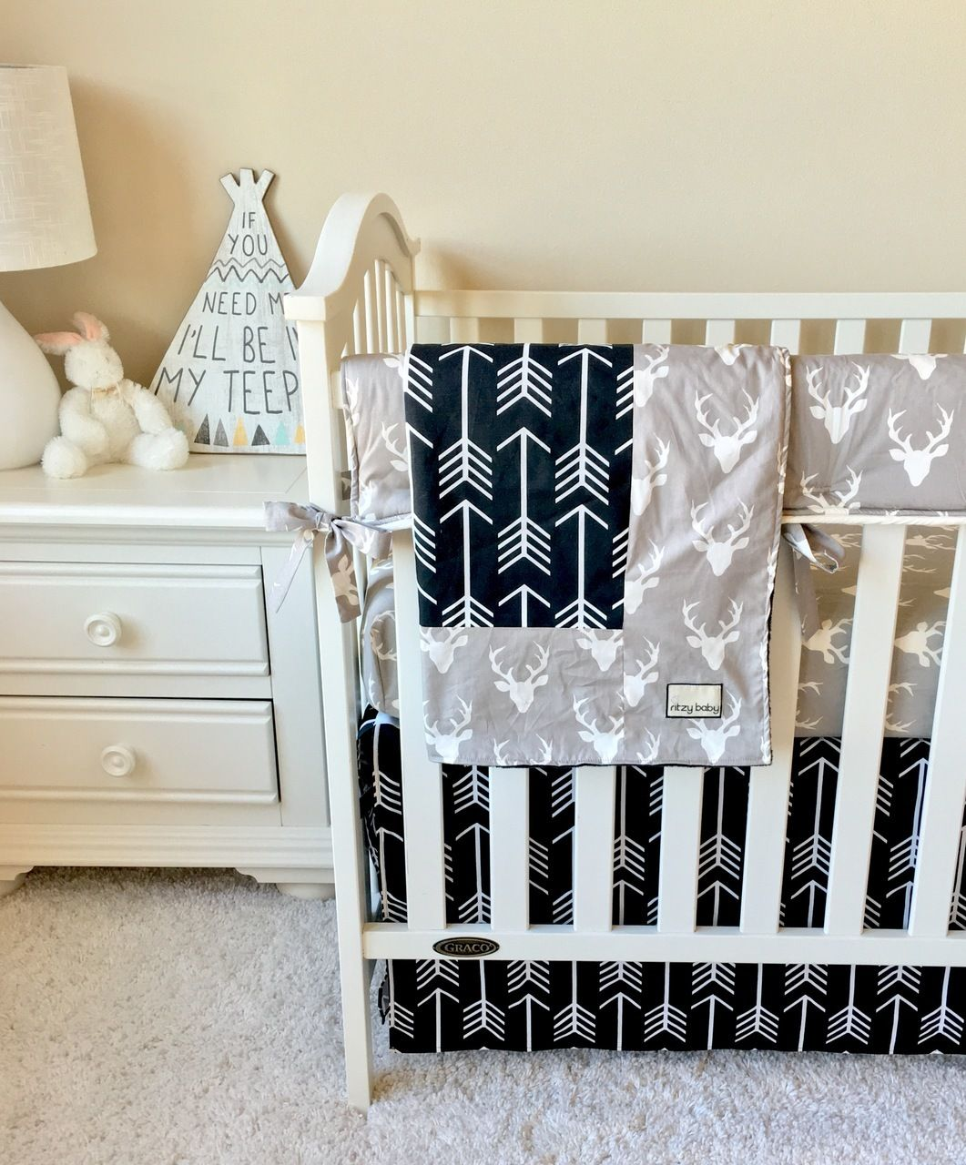 grey deer and black arrows bumperless crib bedding | baby bedding