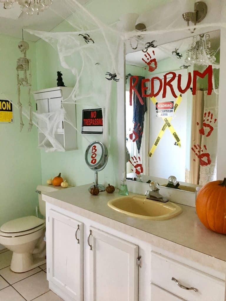 halloween bathroom decor in 8  Halloween bathroom, Halloween