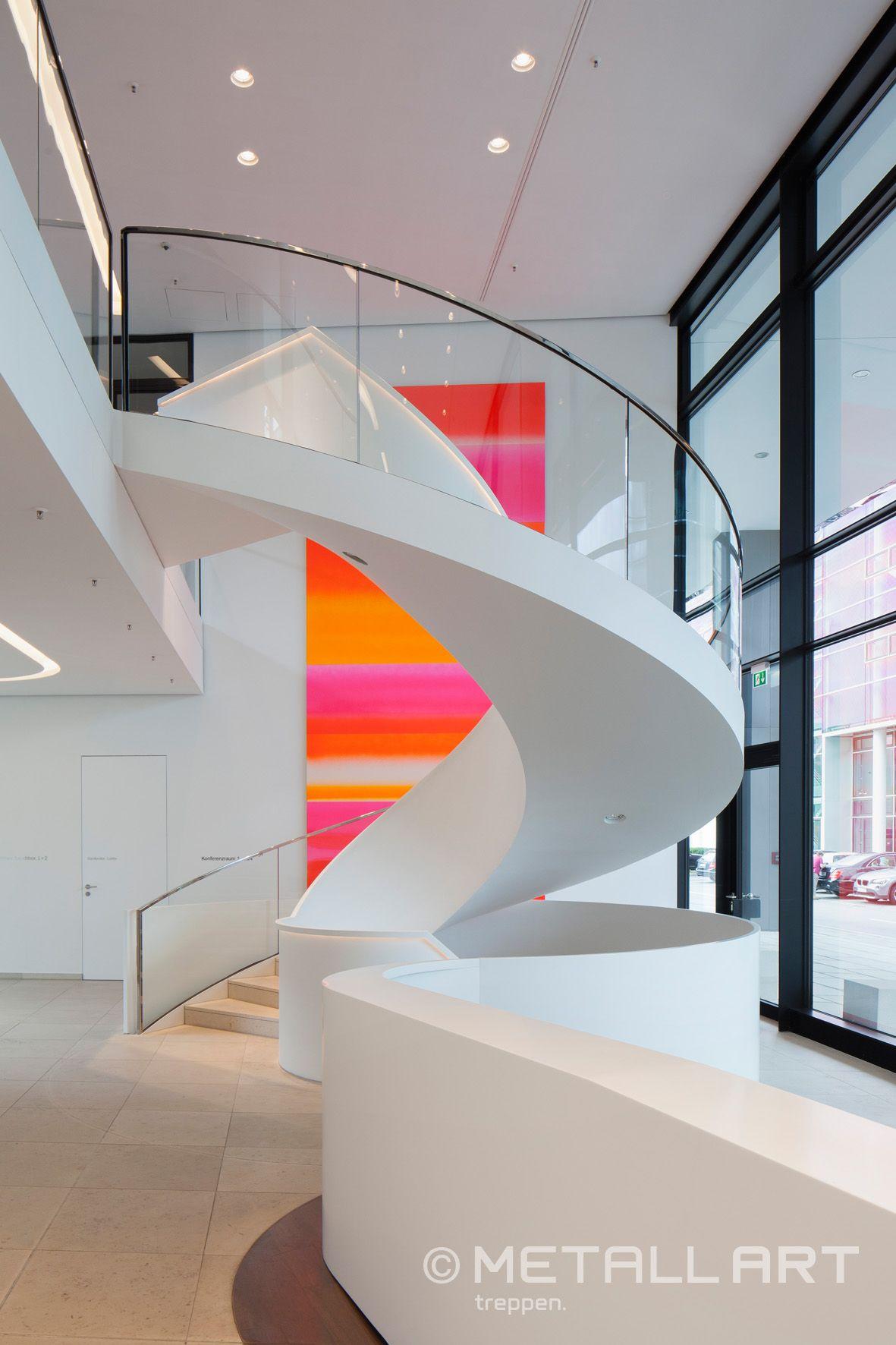 Fensterfronten Und Metall Treppe Haus Design Minimalistisch: Stufen