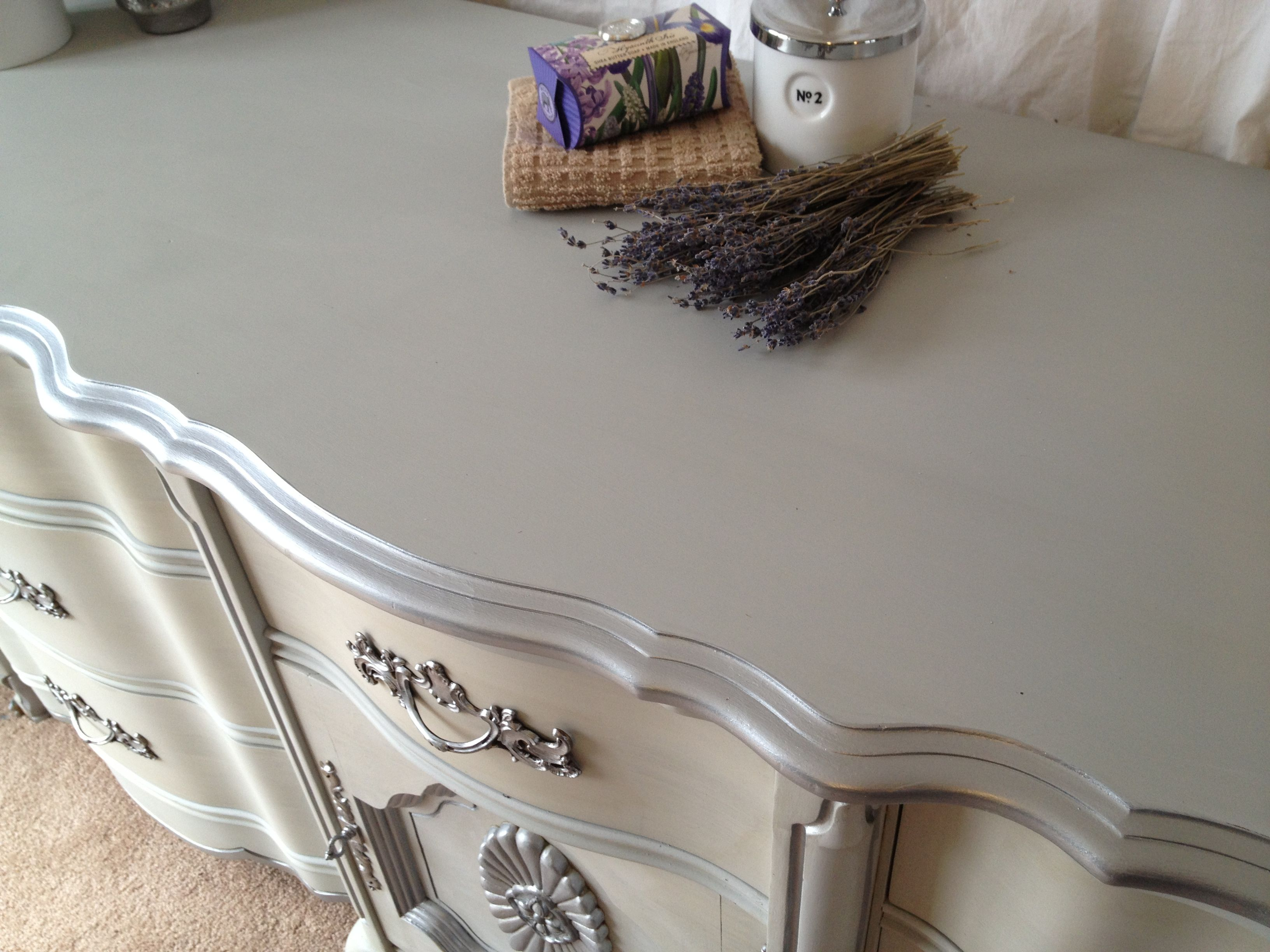 painted dressers silver | ... silver e 1024x768 Vintage 9 Drawer French Provincial Dresser Painted