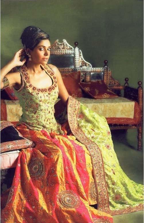44734fb330 Mehndi Dress Pakistan 14 | Bridal Dresses | Mehndi dress, Bridal ...