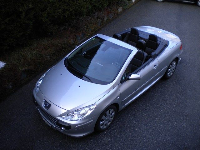 Seriously Thinking About This Peugeot 307 Cc 2 0 16v Black Peugeot Black Car Door