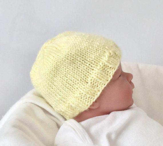 Newborn knitted hat 990b512946f