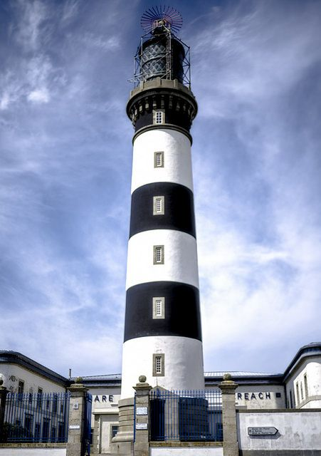 Phare du Créac'h (Lighthouse) by y.caradec, via Flickr