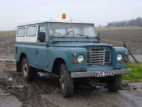 At home in the mud! Land Rover Defender
