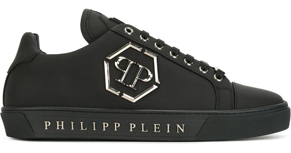 bb766b74df11 Buy Philipp Plein Men s Black Queensland Sneakers