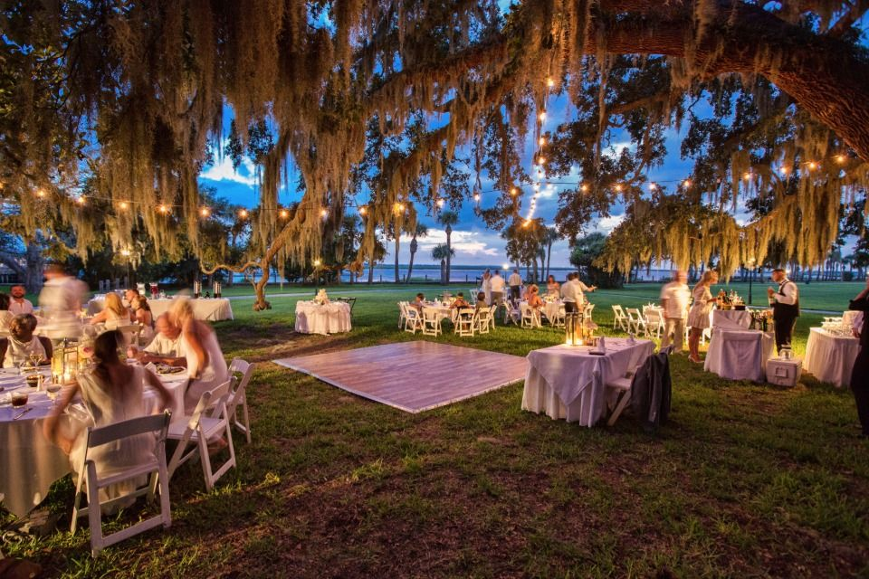 See How These East Coast Couples Said I Do At Jekyll Island Club Georgia Wedding Venues Ga Wedding Venues Island Weddings