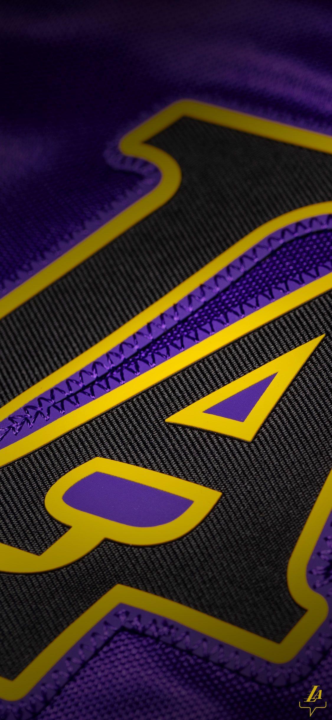 Iphone Xs Football Wallpaper Http Wallpapersalbum Com Iphone Xs Football Wallpaper Html In 2020 Lakers Wallpaper Lakers Logo Lebron James Lakers