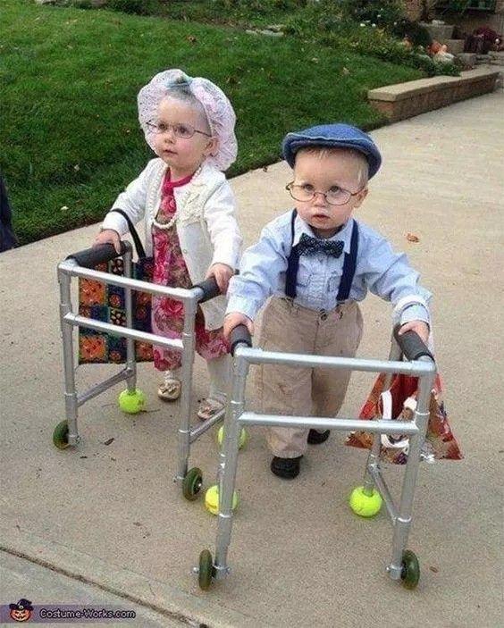 Halloween Weetjes.Halloween Kostuum Voor Kinderen Verkleed Als Oude Mensjes
