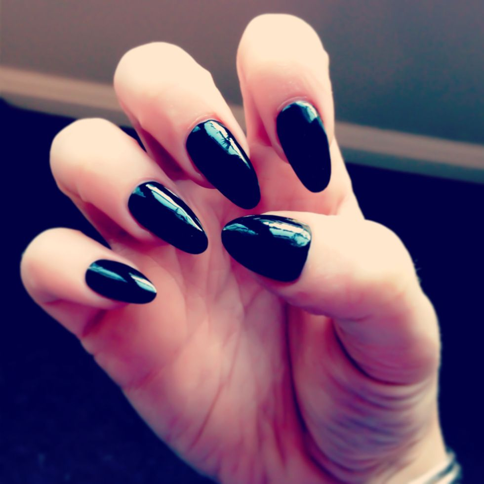 Black oval pointed nails | nails | Pinterest