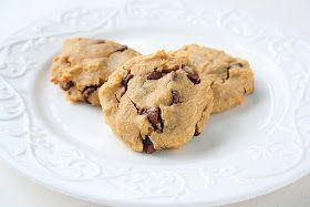 collecting memories: Healthy Chickpea Chocolate Chip Peanut Butter Cookies