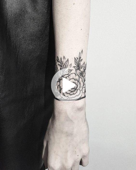 25 Rare Wrist Bracelet And Band Tattoos