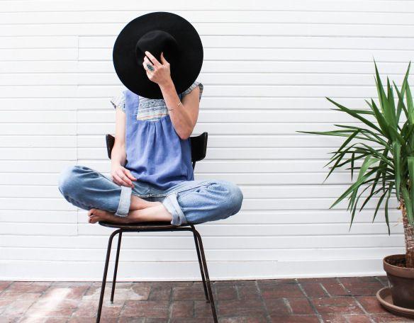 garde robe minimaliste pour faire du tri d sencombrer pinterest mode mode thique et. Black Bedroom Furniture Sets. Home Design Ideas