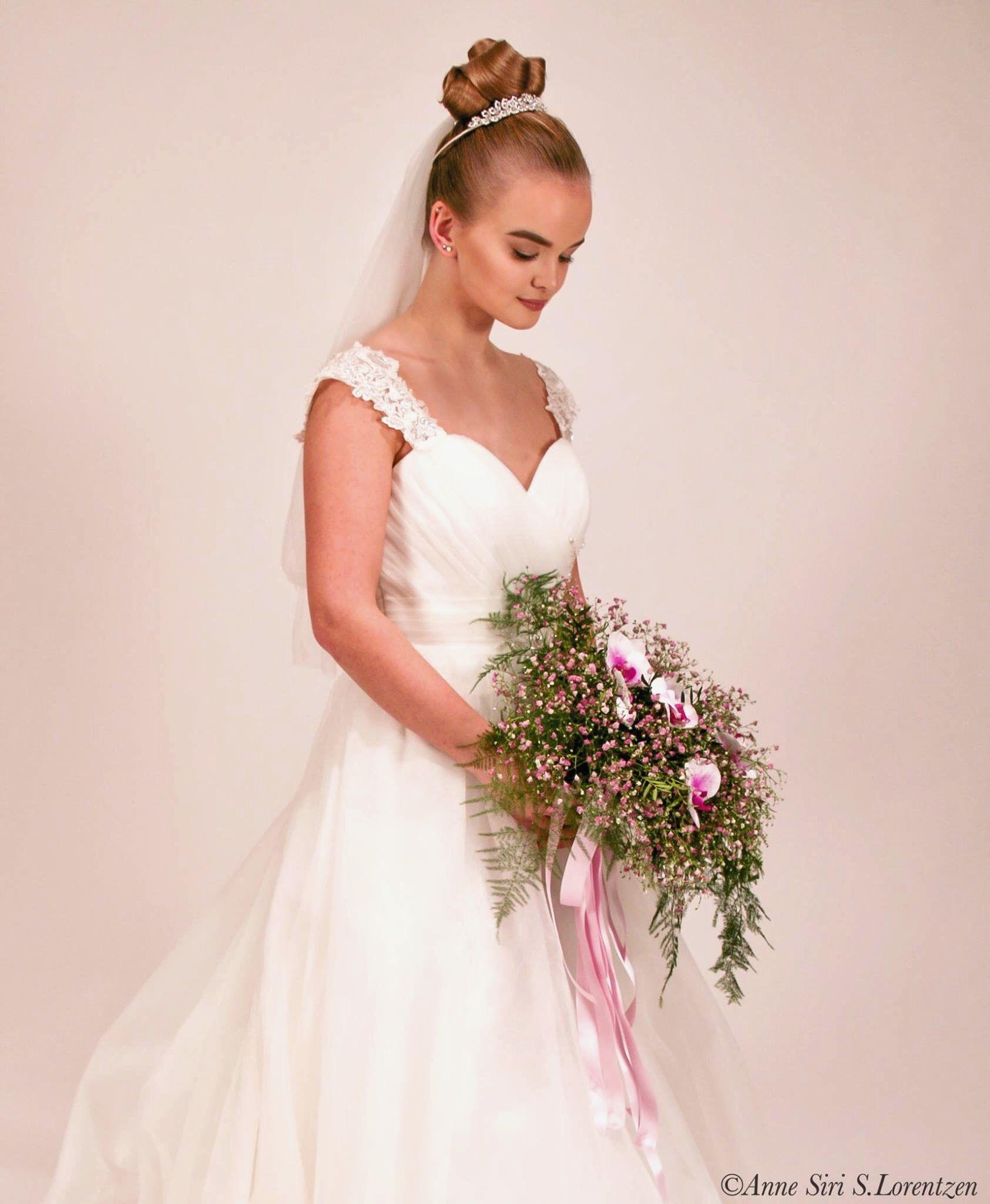 Bride fashion dresses and hair #bride #weddingdress #hair #hairinspo