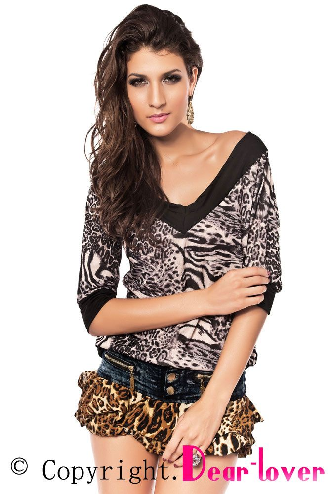 These super stylish jeans are a must have! Good quality denim, leopard chiffon,Three buttons closer.  Dear Lover wholesale fashion clubwear Imitation Jeans for ladies.