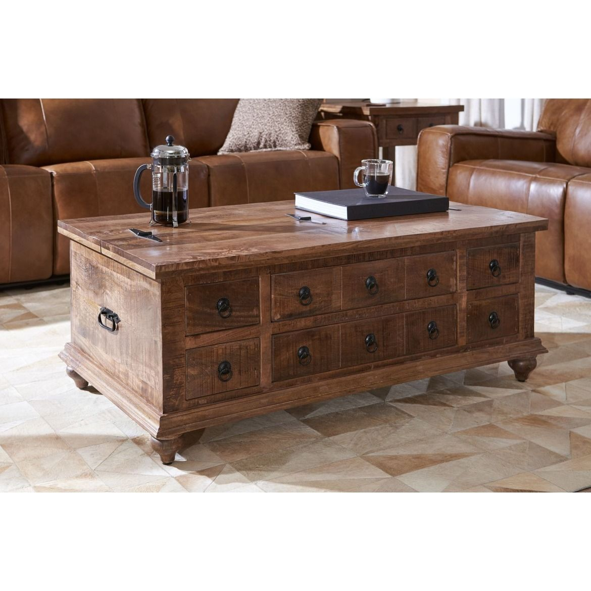 Best Ellis Trunk Coffee Table In 2020 Coffee Table Coffee 400 x 300