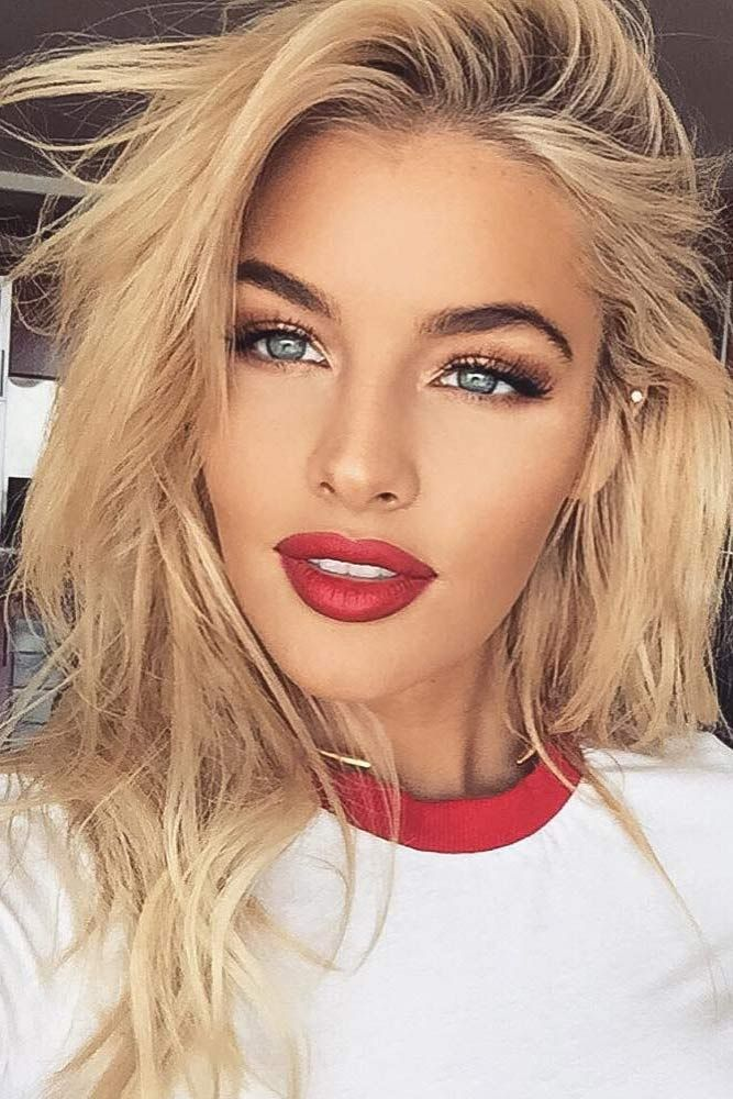 48 Red Lipstick Looks Get Ready For A New Kind Of Magic Red Lipstick Makeup Blonde Red Lipstick Looks Red Lip Makeup