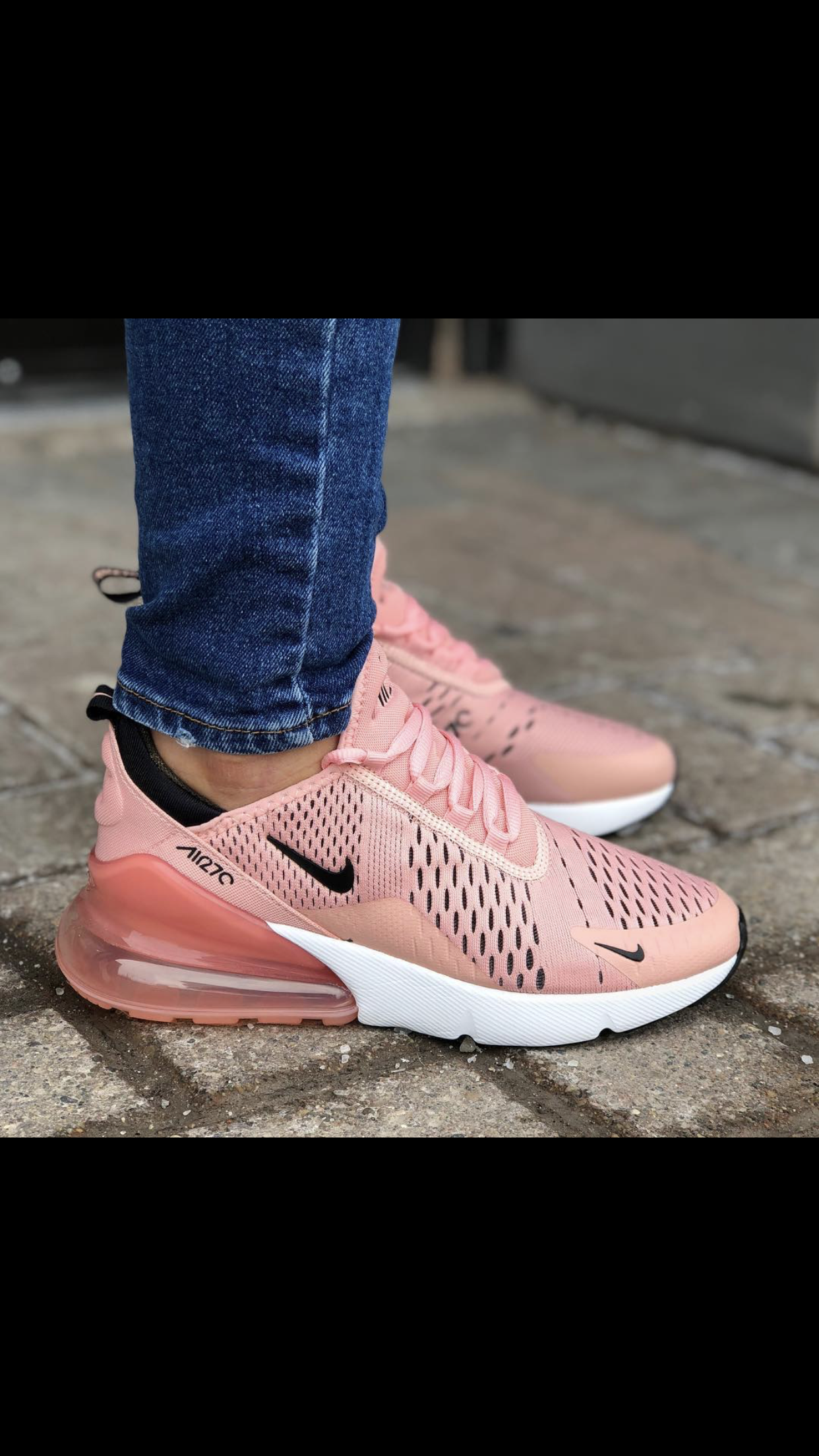 pasatiempo maníaco ven  NIKE Women's Womens Air Max 270, Coral Stardust/Black-Summit White #Nike # AirMax #NikeAirMax #Training #Fitness #Fittness…   Outfit shoes, Dream shoes,  Cute shoes