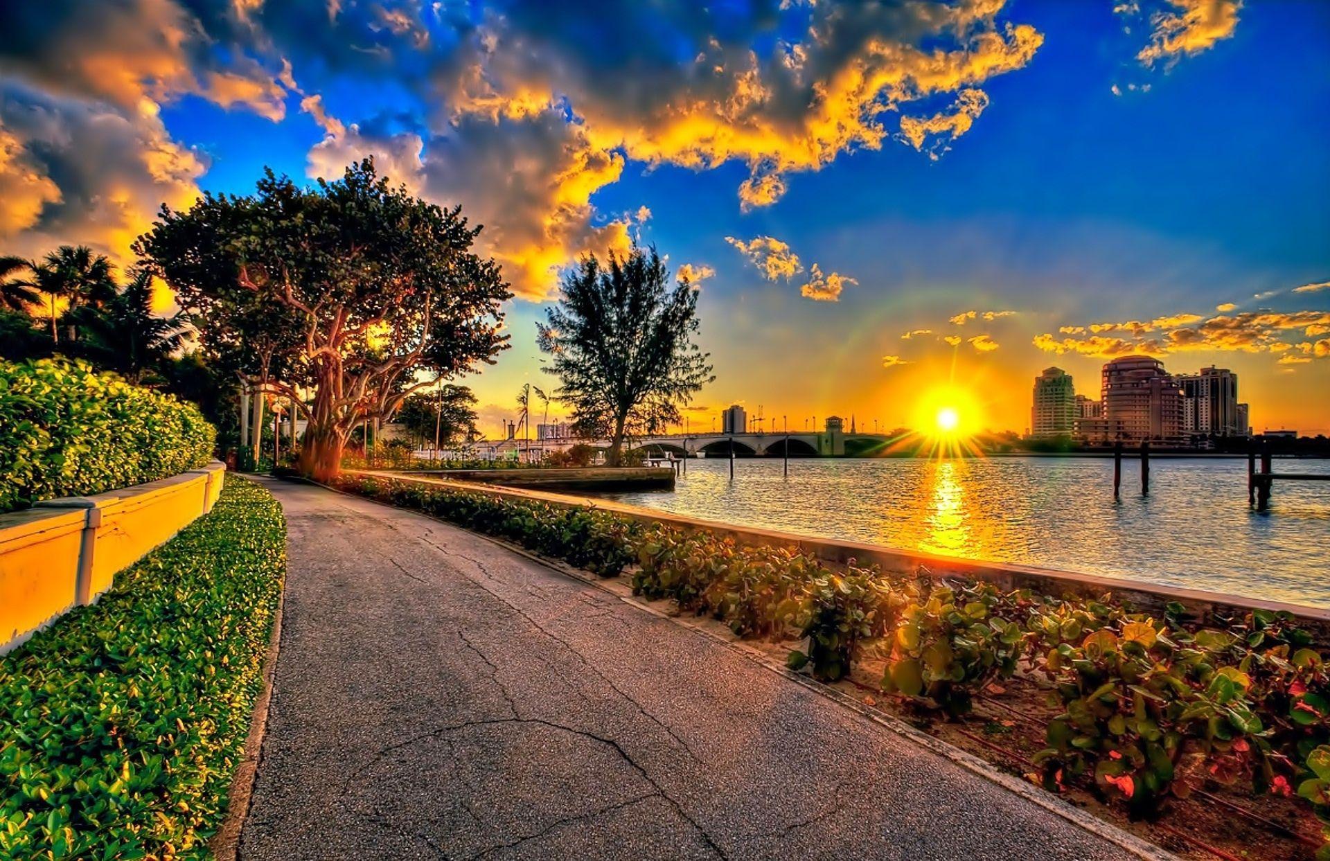 Zachód słońca-park