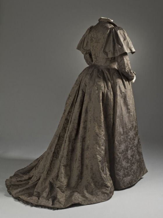 Woman's Tea Gown by Liberty & Co.  England, London, circa 1895 Silk twill with supplementary weft-float patterning (M.2007.211.901) | LACMA Collections