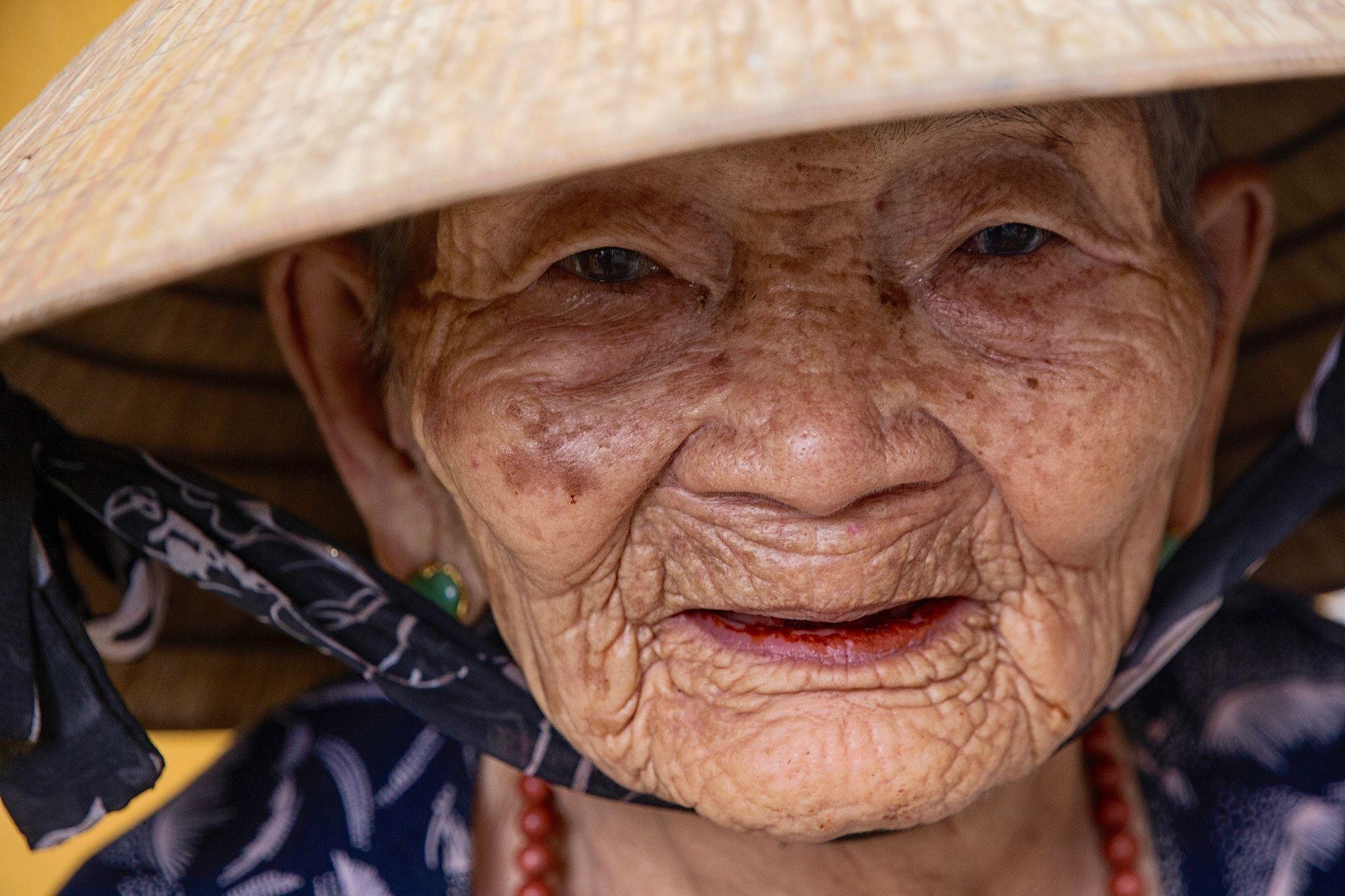 Hoi An woman | Hoi an, Women, Taoism