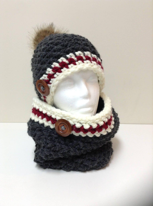 Crochet tuque pompon et cache cou style bas de laine , doublé en polar de  la boutique MayKreation sur Etsy b625e1f2f7d