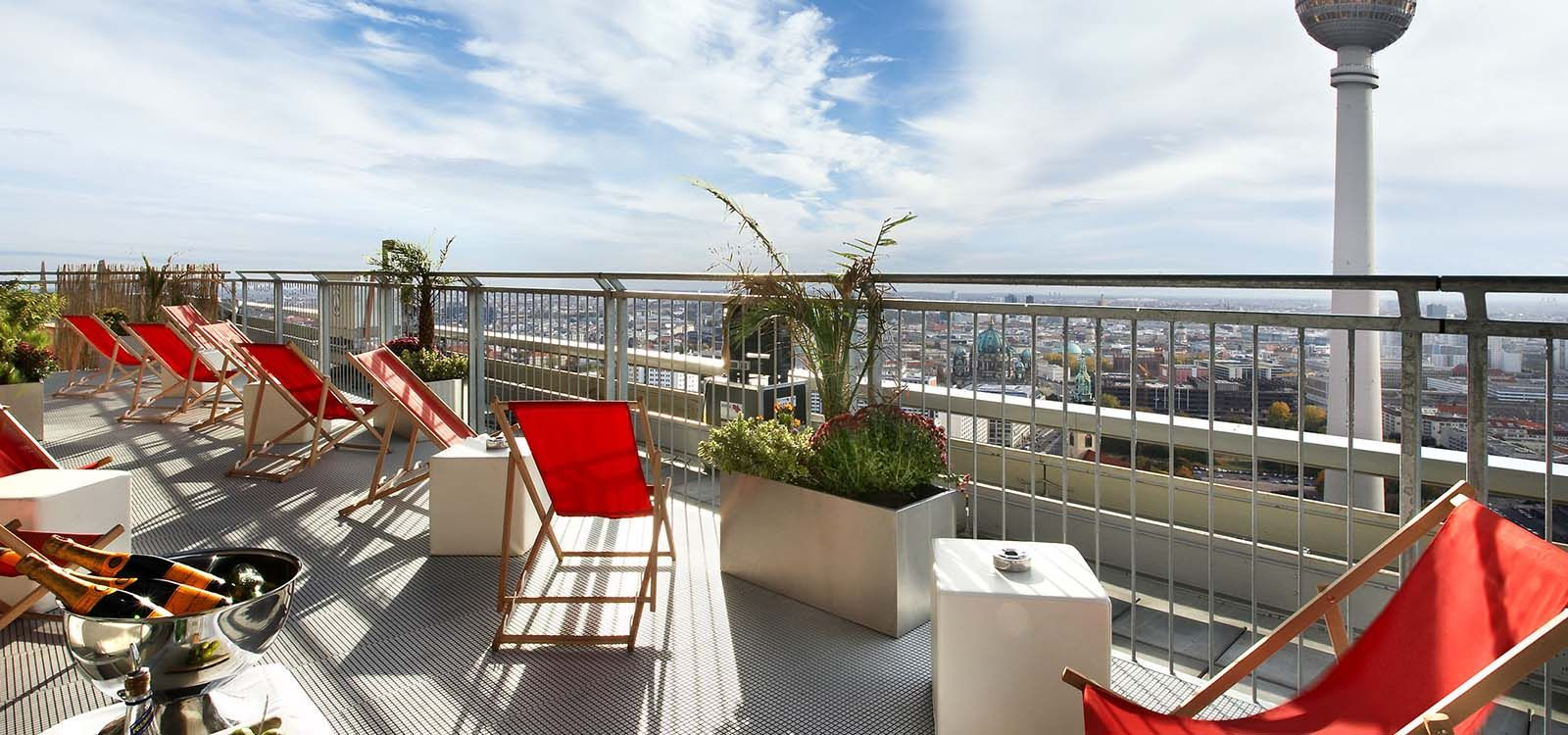 Park Inn By Radisson Berlin Panorama Terrace Open For Public At 40th Floor Breath Taking Views Inexpensive Alternative For Tv Berlin Hotel Hotel Best Hotels