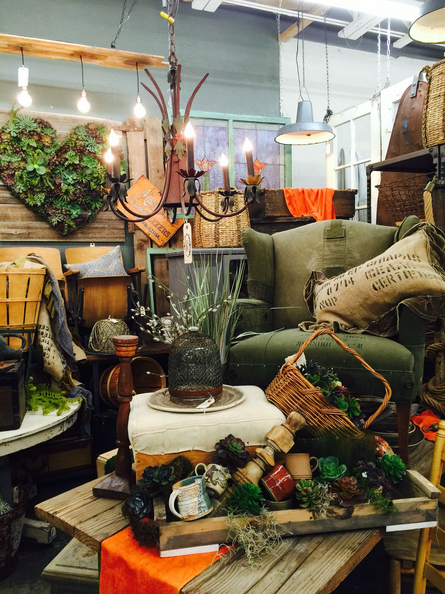 Sweet Salvage Vintage Market, Phoenix AZ. Visual Merchandising. Antique /  Vintage Store Display.