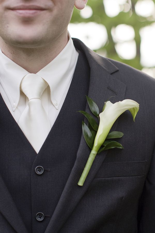 This Calla Lily Is Backed With Italian Ruscus Learn How To Make Your Own Wedding