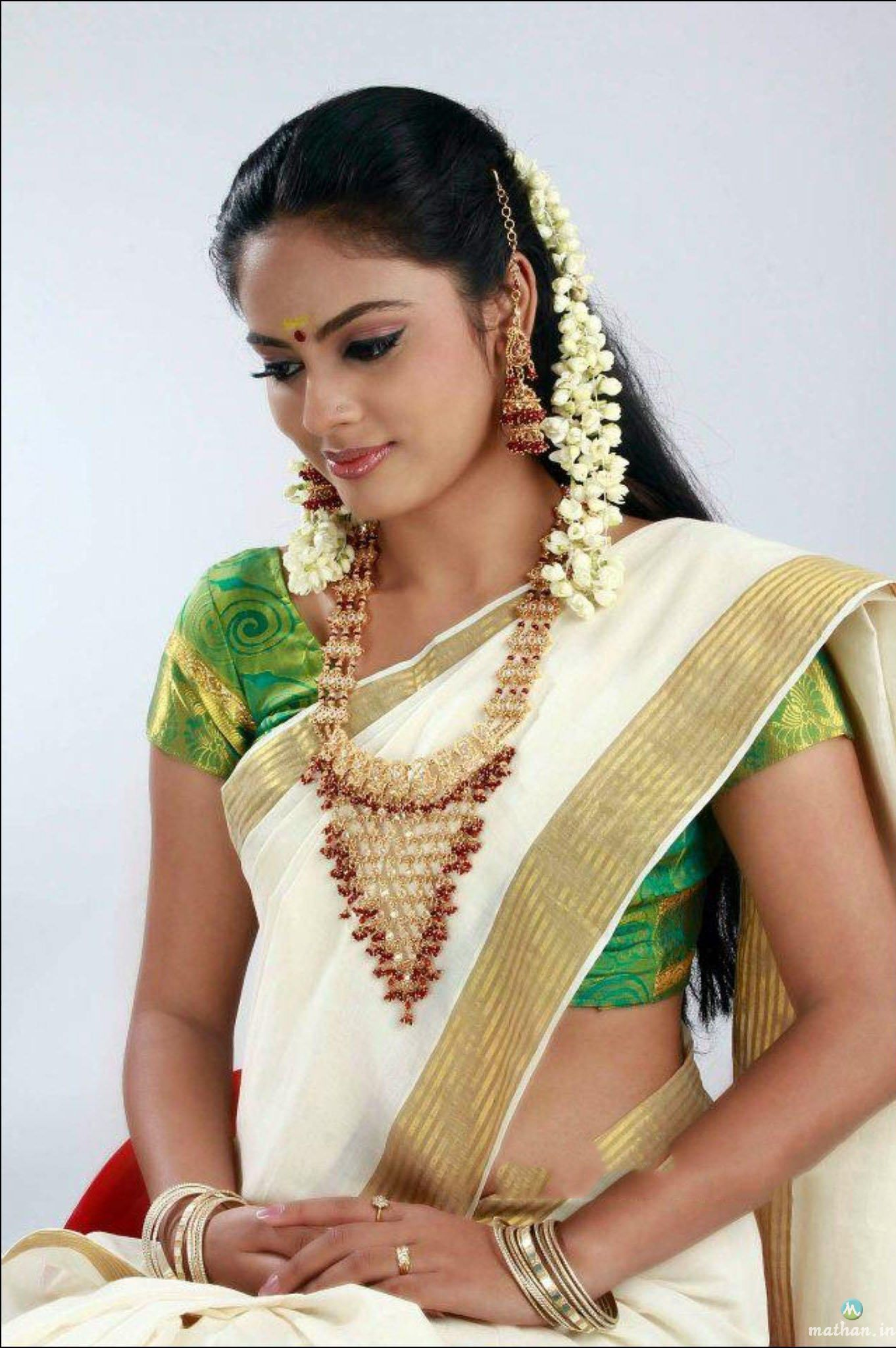 Nanditha Photoshoot HD | saree | Pinterest | Photoshoot, Saree and ...