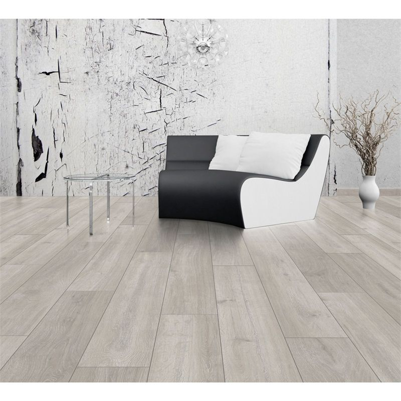 Find Laminae Stowe Oak Laminate Flooring At Homebase Visit Your Local For The Widest Range Of Paint Decorating S