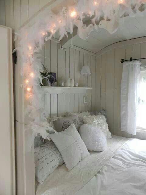 Cute nook bed