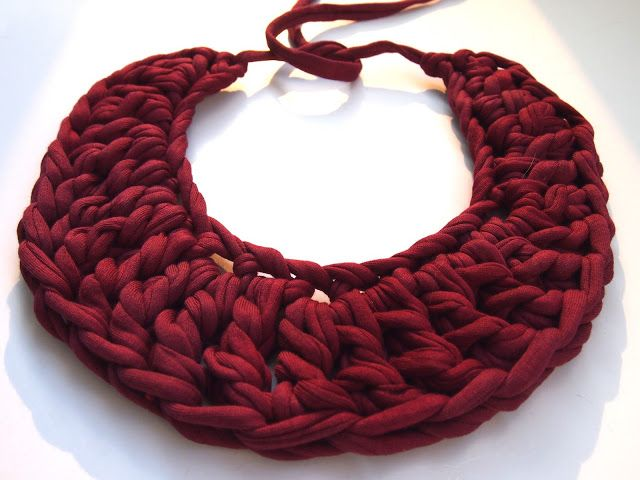 Crochet T-shirt Yarn Necklace (No instructions, but a simple crochet project that could be deciphered with close inspection)