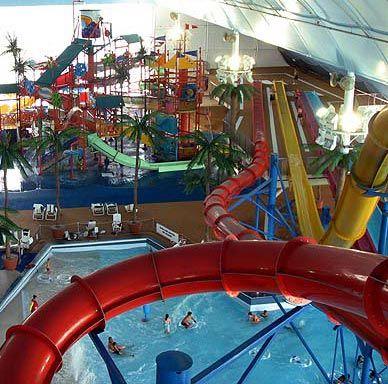 Biggest Indoor Waterpark Canada Indoor Waterpark Water Park Cool Water Slides