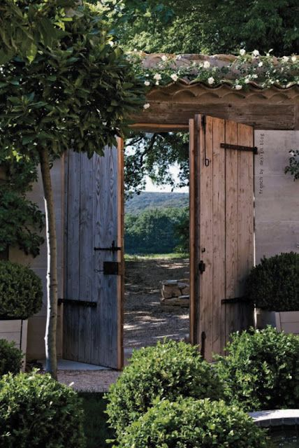 In Uzege, a dreamy area in Gard, southern France, Annie, an American stylist originally from New York, transformed this old farm into a glorious home full of character. Simplicity, the use of local artisans and craftsmen and respect of the original structural elements were key elements in this renovation. What a serene spot!
