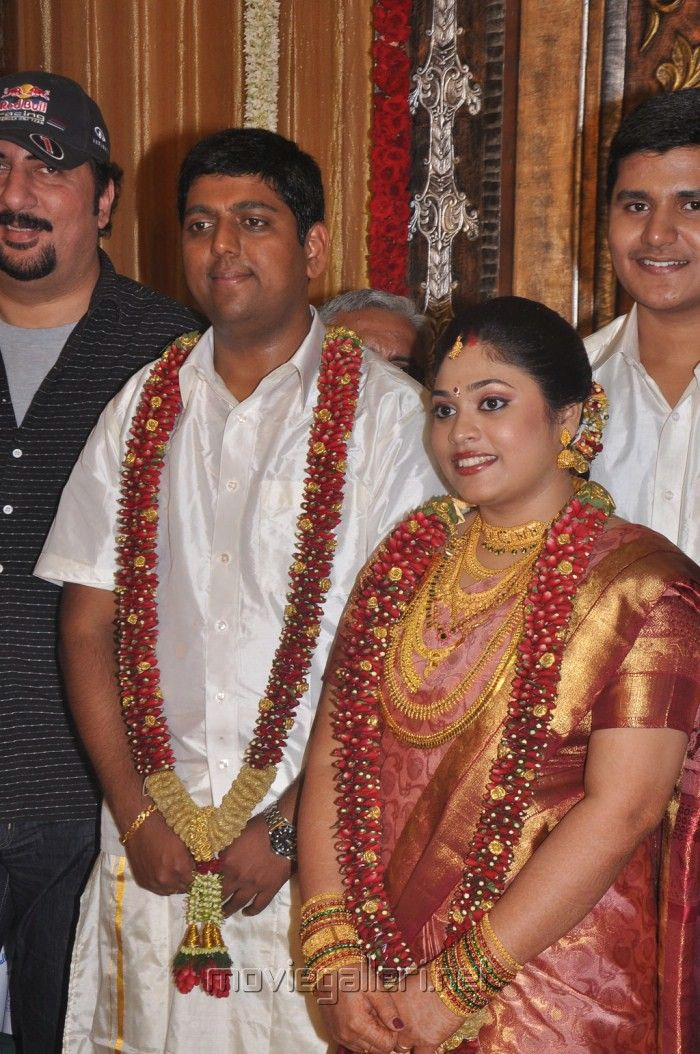 Jyothika dotted malai | Indian bridal, Garland wedding ...