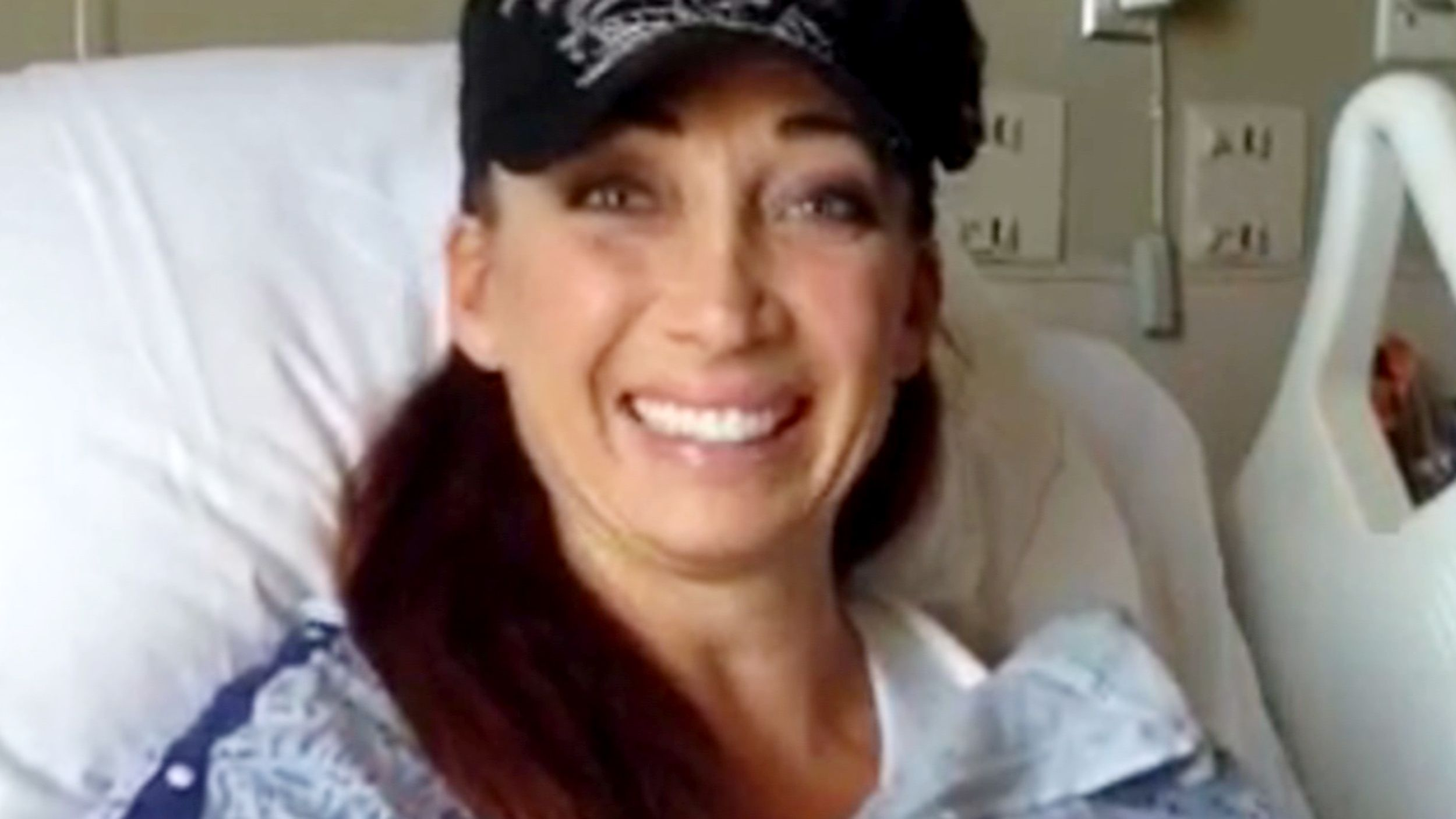 Olympian Amy Van Dyken-Rouen 'thankful to be alive' after accident