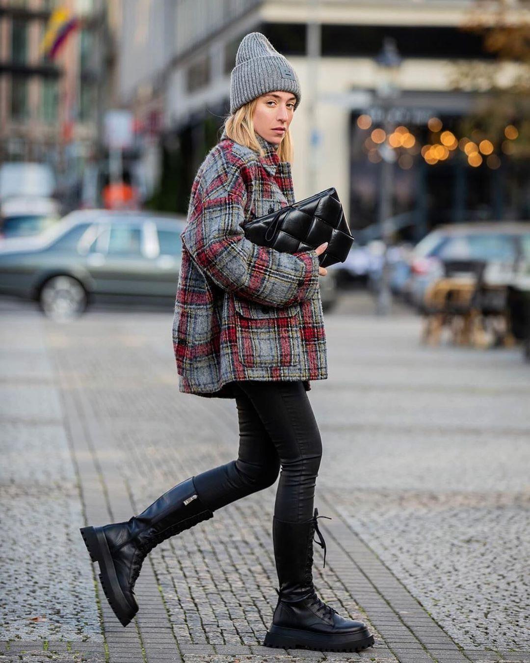 "Sonia Lyson on Instagram: ""Grey Saturdays in the city 🌪 #ootd #saturdays #berlin | Anzeige"""