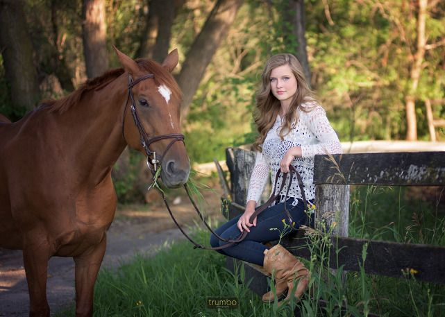 Senior Pictures Artist Sport Photography Senior pictures artist  senior bilder künstler  artiste photos senior  artista de cuadros mayores  senior pictures outfits s...