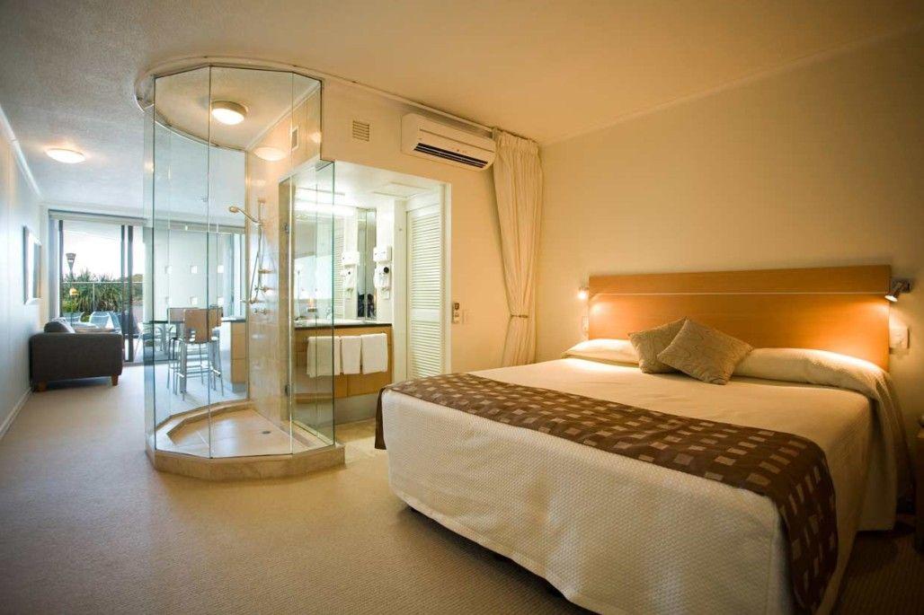 25 sensuous open bathroom concept for master bedrooms for Master bedroom and bath