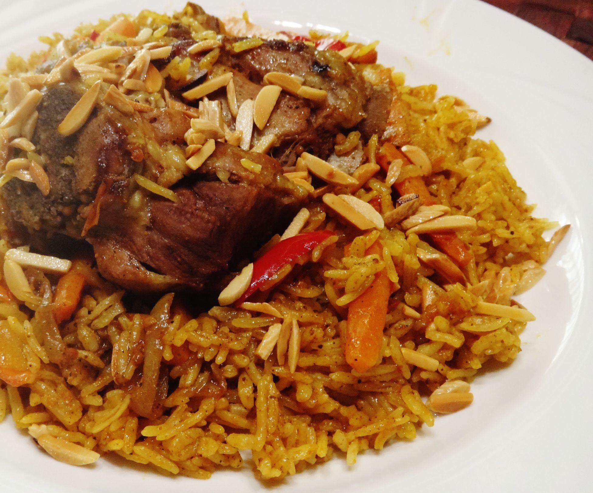 طريقة عمل كبسة اللحم السعودية موقع طبخة Middle Eastern Recipes Recipes Mediterranean Recipes