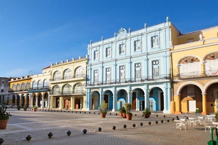 Plaza Vieja (Old Square), Havana